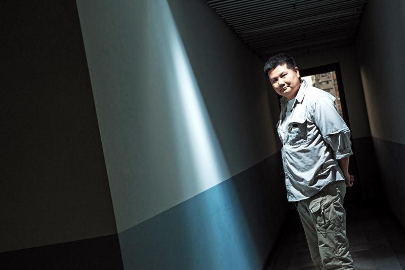 李惠仁出身電視台攝影記者,2008年下定決心辭職,開始獨立紀錄片拍攝之路。