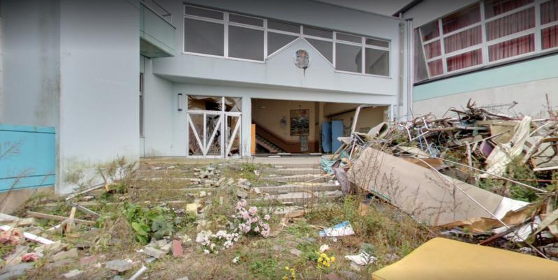 位於311震災區、福島縣的請戶小學,儘管已殘破不堪,校長卻始終守護校園。(請戶小學網站)