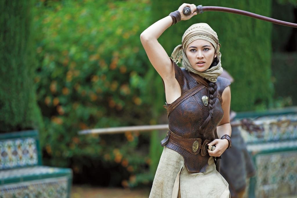在《冰與火之歌》飾演沙蛇之女,讓潔西卡星運大開。