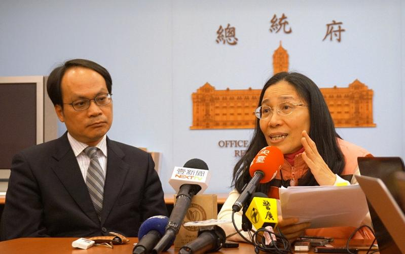 許玉秀前大法官(右)今主持司改國是會議,她投下關鍵一票通過法庭直播議案。