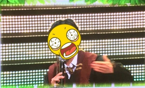 朴寶劍在粉絲見面會上,特地以自己最喜愛的「哈利波特」扮相現身。