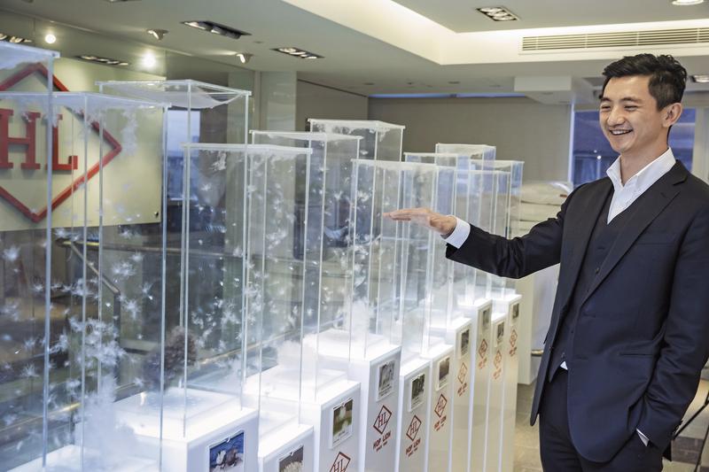 36歲的合隆董事長陳彥誠,要帶領百年企業合隆毛廠跑出新路。