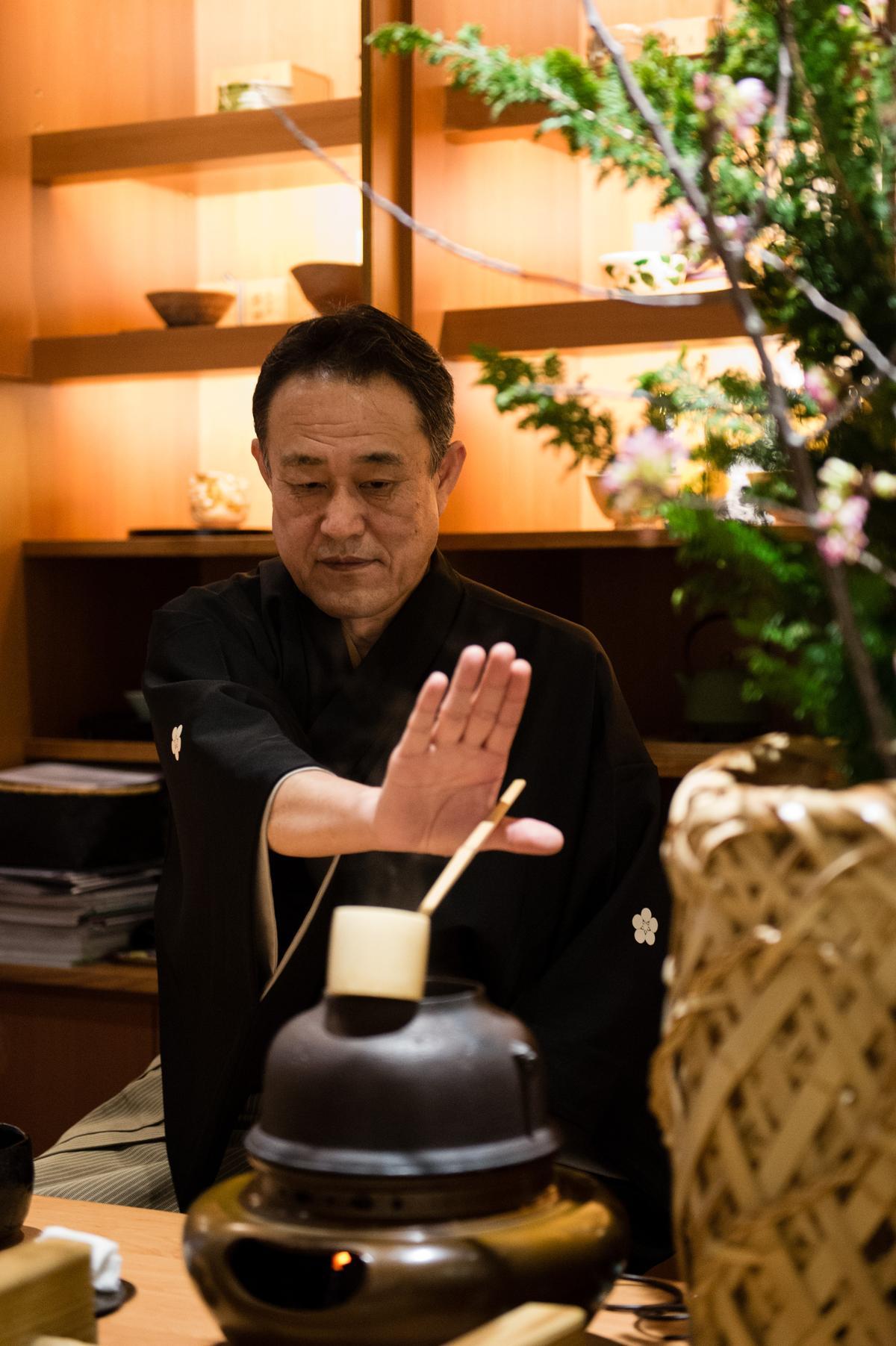 用餐過後,每位客人都可得到一杯由佐佐木先生親自手打的抹茶。