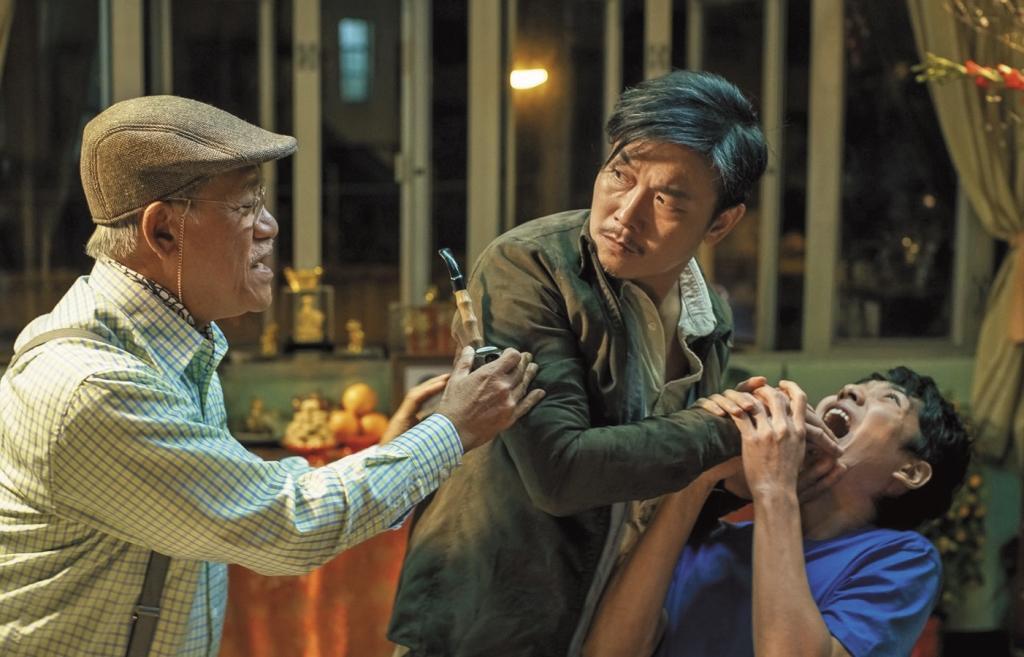 錢小豪(中)在《救殭清道夫》飾演除殭屍的道長,和蔡瀚億(右)有著濃厚的師徒情誼,左為吳耀漢。
