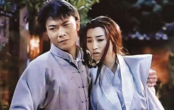 錢小豪(左)早期戲路多以動作、古裝為主,俊俏外型讓他戲約不斷。(翻攝自網路)
