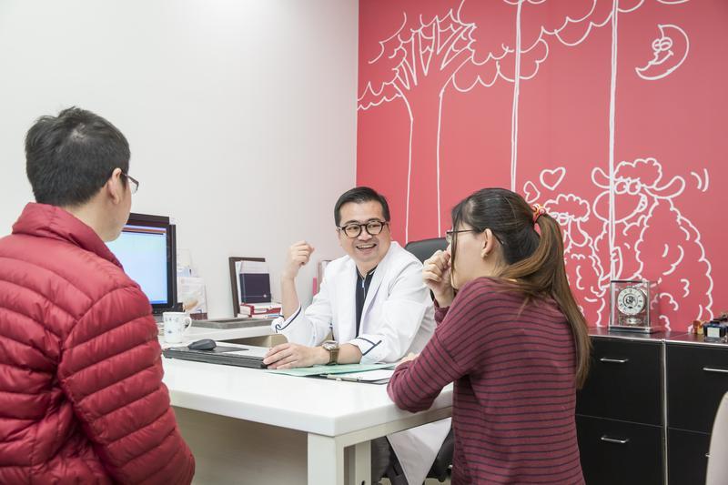 蘇怡寧整合慧智技術與禾馨臨床案例,進行基因檢測研發,用於降低病人發病風險。