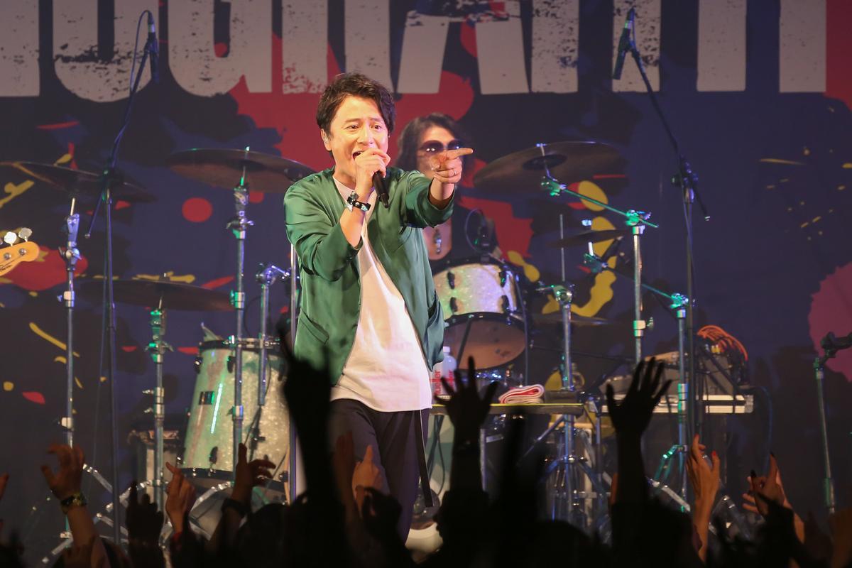 PORNOGRAFFITTI 色情塗鴉安可曲帶來與五月天合作的日文歌曲〈Song for You〉,還演唱一小段中文歌詞,尖叫聲爆棚。