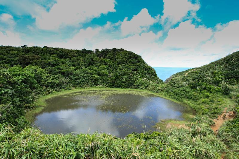 超夢幻的蘭嶼小天池,美景不輸嘉明湖。