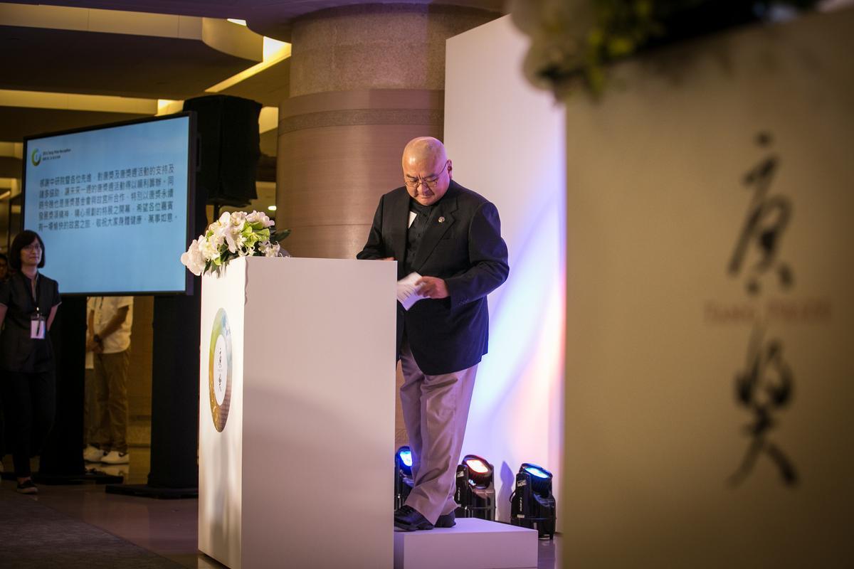 潤泰集團總裁尹衍樑以個人名義捐助30億元成立唐獎,卻因好友翁啟惠扯上浩鼎案,而使台版諾貝爾退光環。