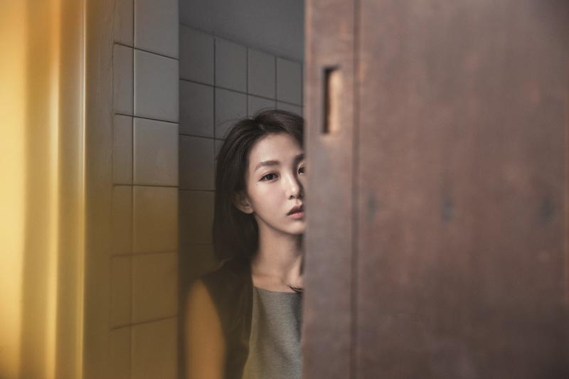 出道9年,郭書瑤的外表一直維持稚嫩,但人生好苦的感受,卻一直與她同在。