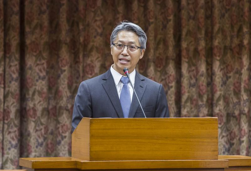 新院長廖俊智多次在內部會議中耳提面命,要求各主管「與企業界接觸要謹慎,雖可募款,但要找『適當』的企業!」