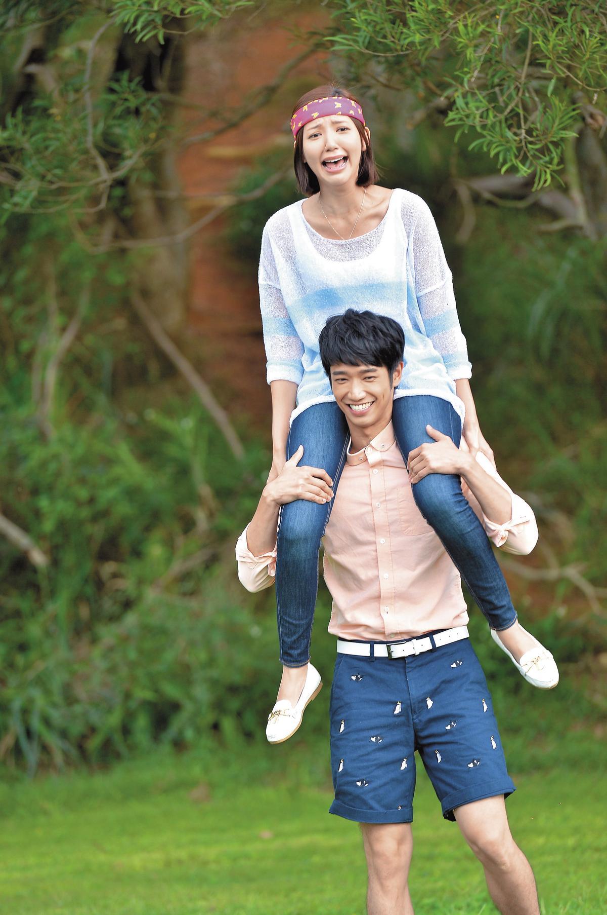 劉以豪和郭雪芙在偶像劇《喜歡一個人》談情說愛,兩人現在都成時尚品牌寵兒。