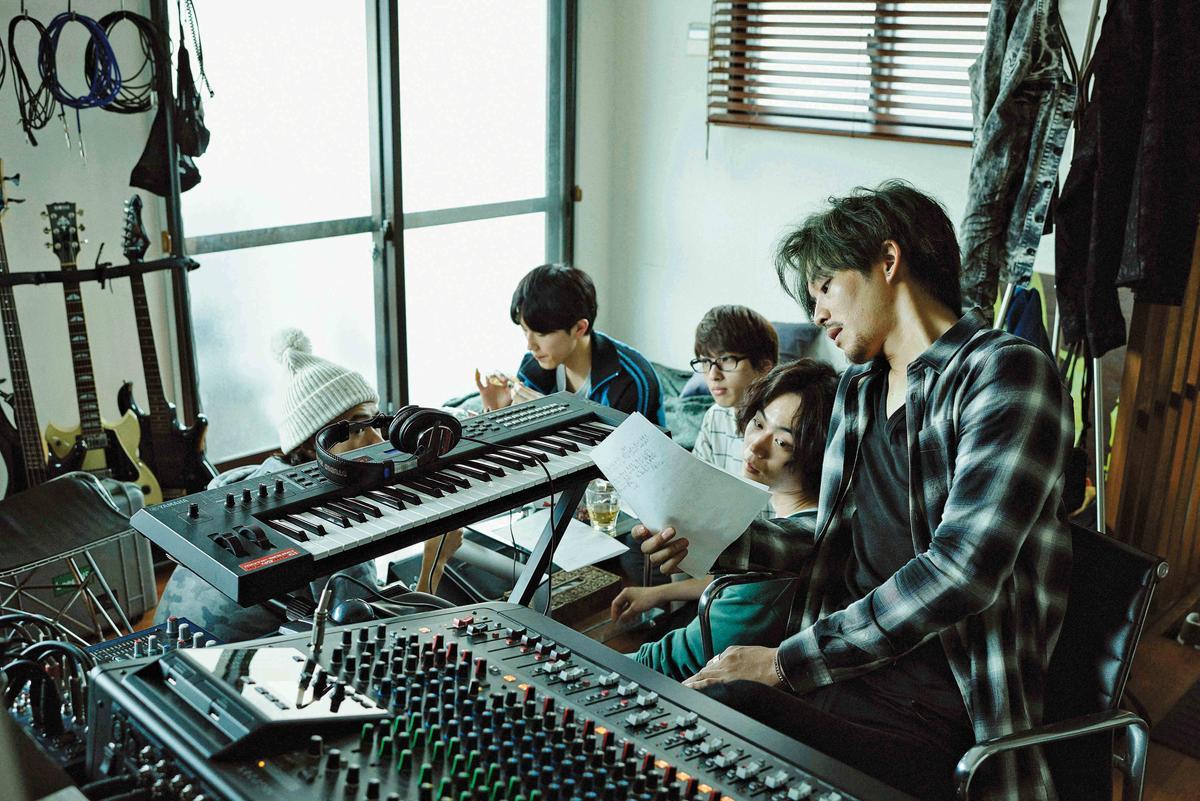 得藝文創引進日本賣座電影《唱吧!奇蹟!》,與旗下培訓新人的經紀公司合作,創造泛娛樂連動宣傳效益。(得藝文創提供)