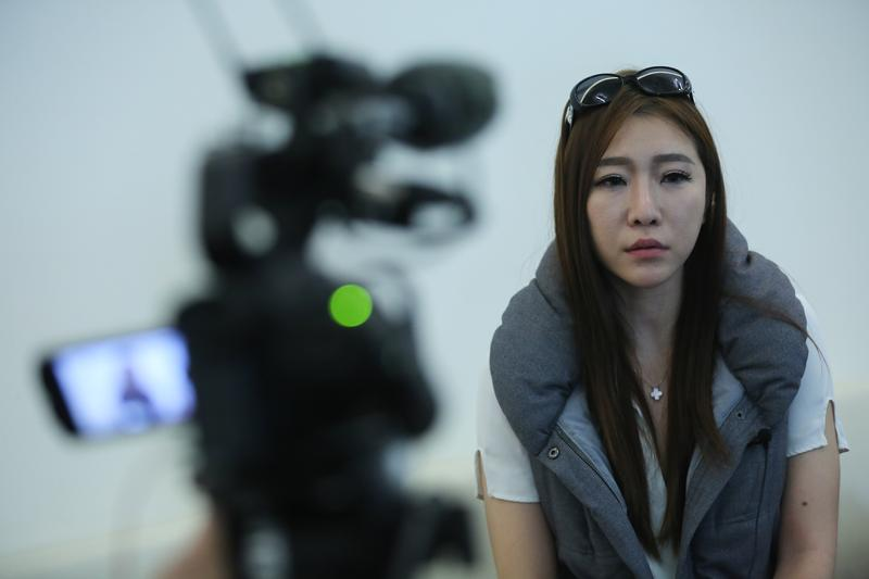 李宗瑞女友賴慕禎接受本刊專訪,淚訴李宗瑞迷姦閨密外,也證實黑白兩道當年曾勒索李家。