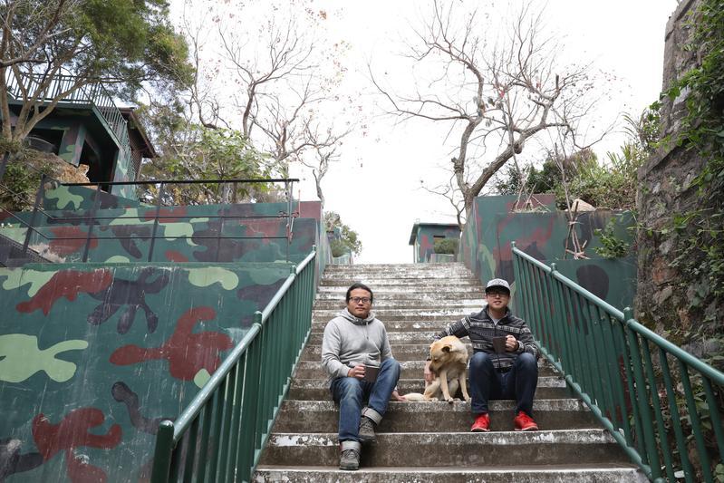 「No. 55 Hostel」的兩位主人李振元(左)與劉增亞,因為在澳洲打工度假,愛上了國外背包客棧的旅遊方式。