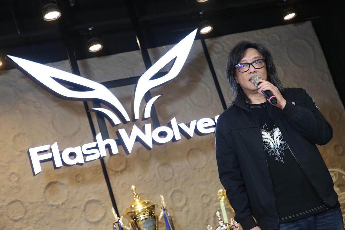 施文彬代表台灣電競協會致詞,期盼選手能在今年的《英雄聯盟》S7奪冠