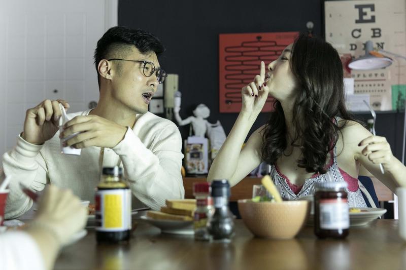 青春女星蔣夢婕演出男主角志明從小一起長大的朋友。