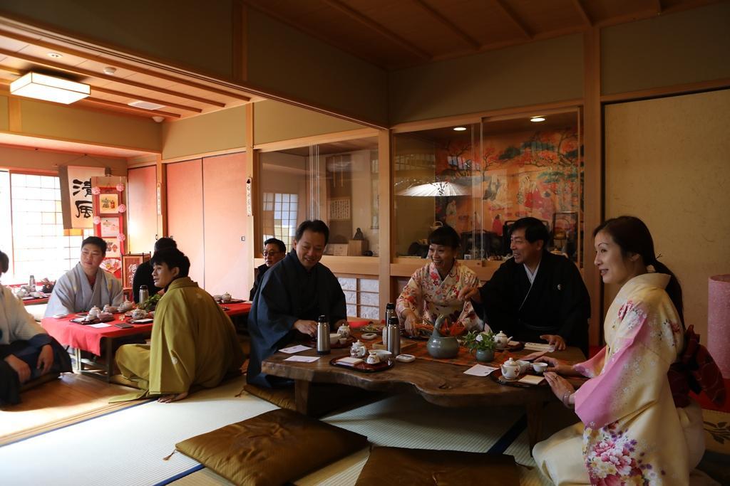 「肥前通仙亭」感受嬉野茶的魅力。