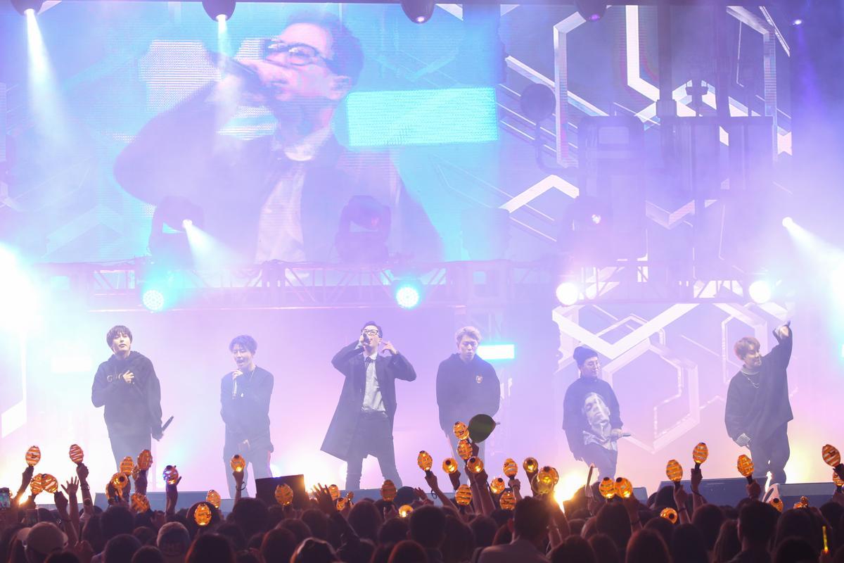 Block B演唱會未設翻譯,成員用英文與粉絲交流,無論他們說什麼,粉絲都以尖叫聲回應,讓他們非常開心。