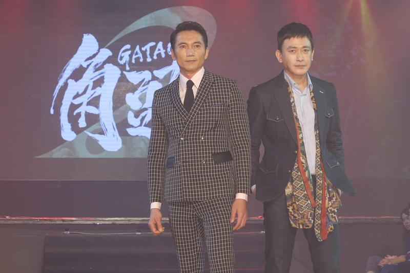 鄒兆龍(左)常期在香港拍片,曾在周星馳的《九品芝麻官》演出惡角常威,這是近三十年來首次回台拍片,並將與王識賢對決。