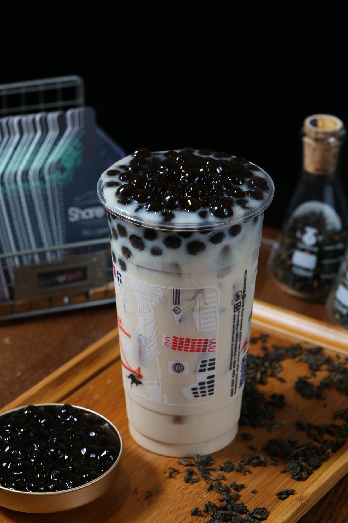 招牌珍珠奶茶茶香醇厚,做好的珍珠在特定時限內沒用完一律倒掉,避免影響口感。(60元/杯)