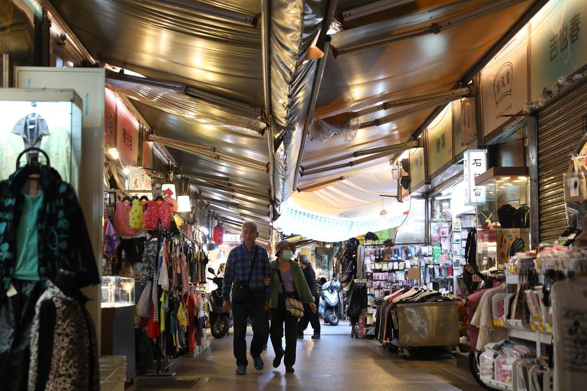 寶秀姐的小攤位在晴光市場室內尾端,熟客才知道地方。