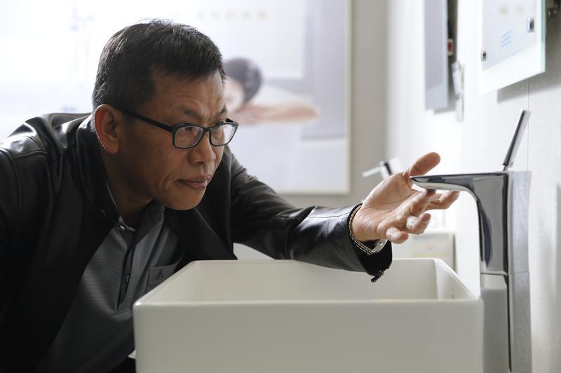 來自嘉義的蕭俊祥窮苦出身,但他認為,人生別太計較,過去吃的苦,都是未來的養分。