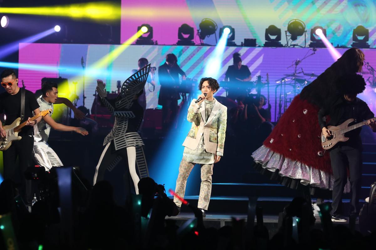 為了這次的「派對Medley」,林宥嘉也特地排練了舞蹈,在台上載歌載舞。