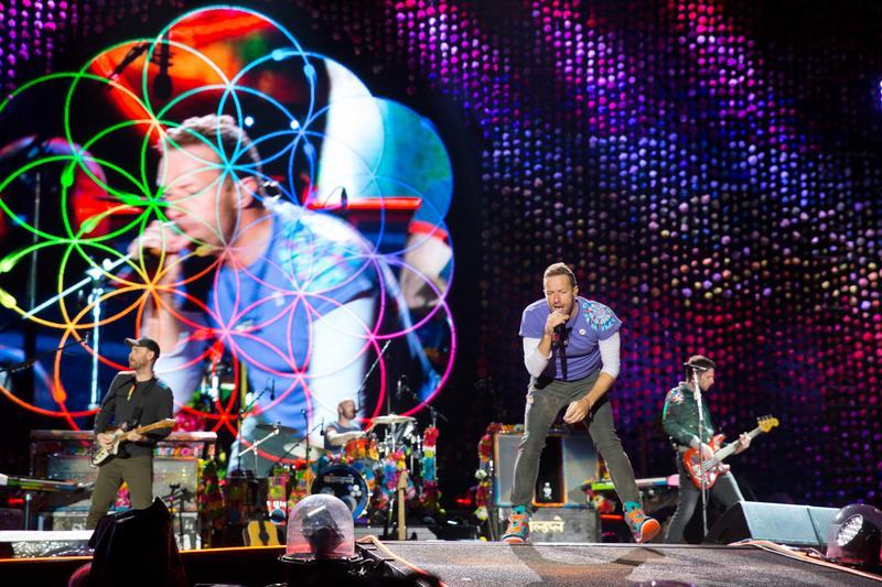 英國樂團Coldplay出道20年,今年舉辦亞洲巡迴演唱會,唱遍台灣、韓國與日本等地,場場爆滿。(攝影:蕭志傑)