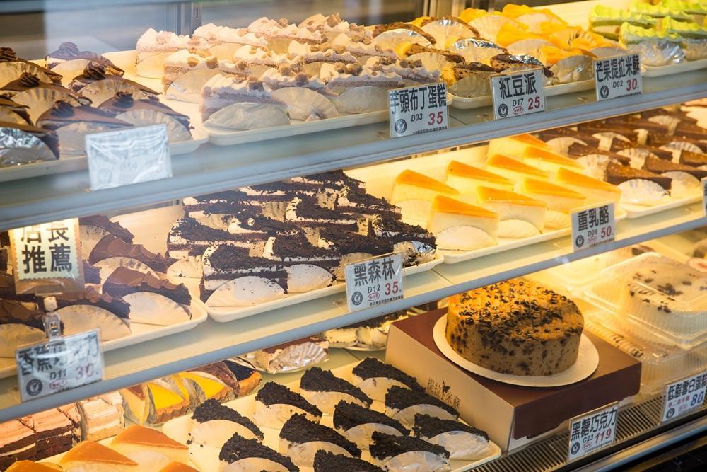 提拉米蘇蛋糕起價僅25元,比起同業多半40元起跳的價格,破壞市場行情。