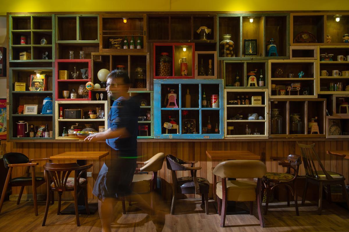 「3035叁零叁伍冰果室」蒐藏許多懷舊冰菓室小物,空間復古又時髦。