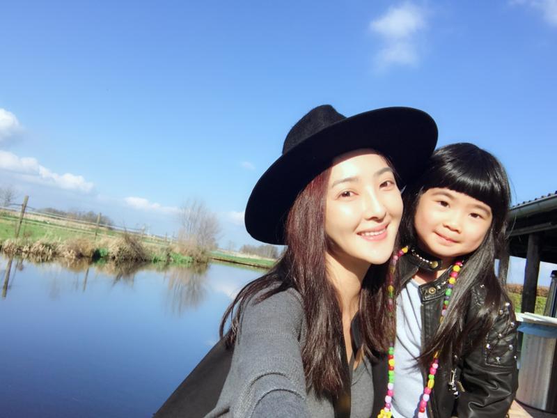 牡羊座的吳速玲最愛到處趴趴走,日前才和女兒Grace跑去荷蘭旅行,說是要給自己的生日大禮。