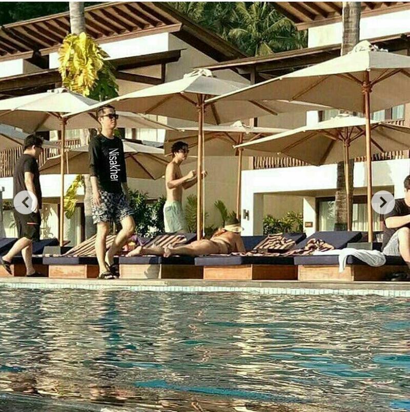 為期6天5夜的印尼度假行程,不斷有當地粉絲捕捉到他的身影,而放上Instgram。