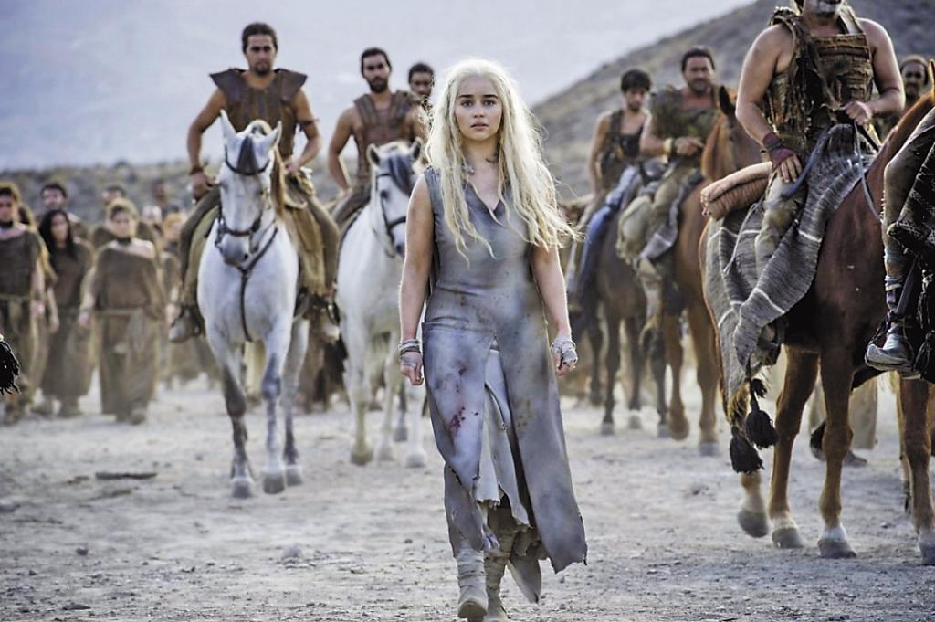 《冰與火之歌:權力遊戲》是HBO的招牌影集,為了不漏氣,《通靈少女》主創團隊找來電影工作者合作,提升質感。(HBO提供)