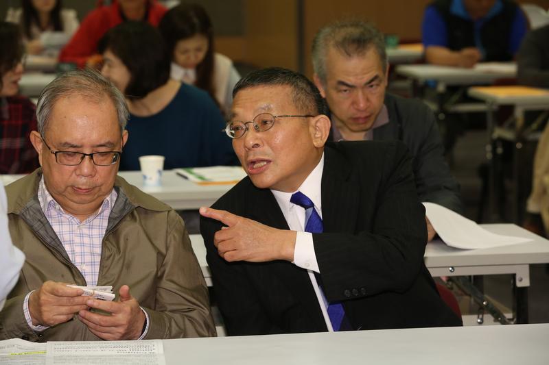 民視股東自救會今天成立,民視常務董事陳清福呼籲股東們要團結。