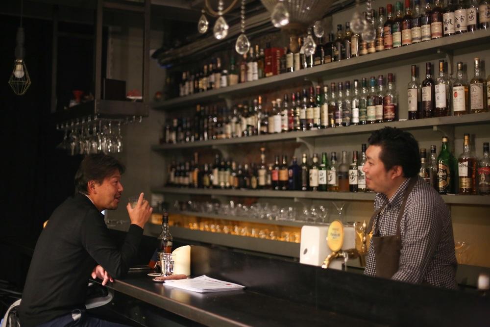 Bar ansleep氣氛輕鬆,調酒師扇野忠和調酒有層次,即使一個人來也不孤單。