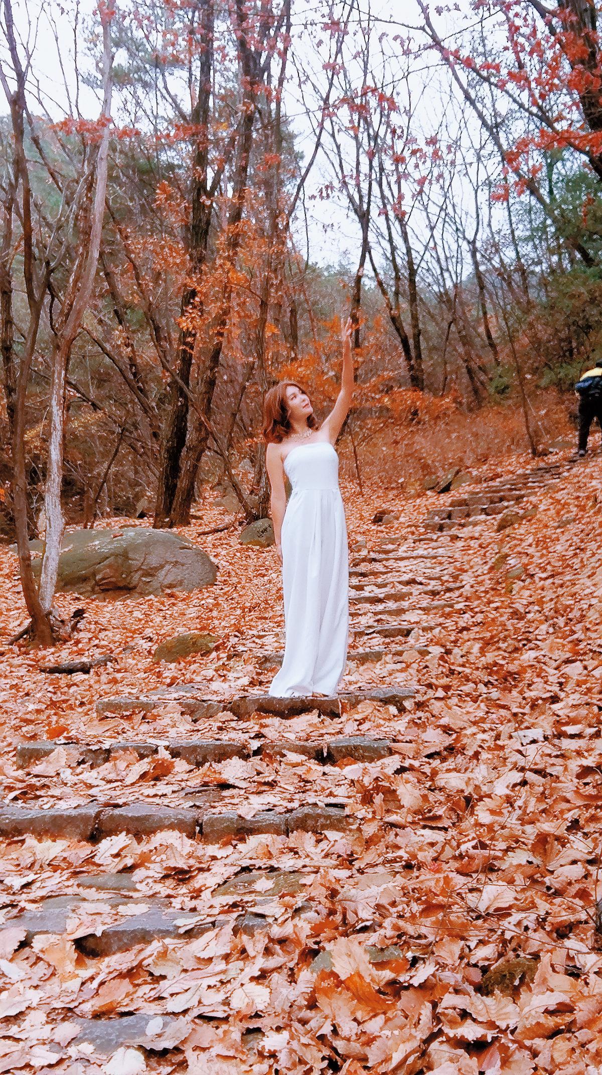 今年初,孟慶而特地到韓國拍攝單曲MV。