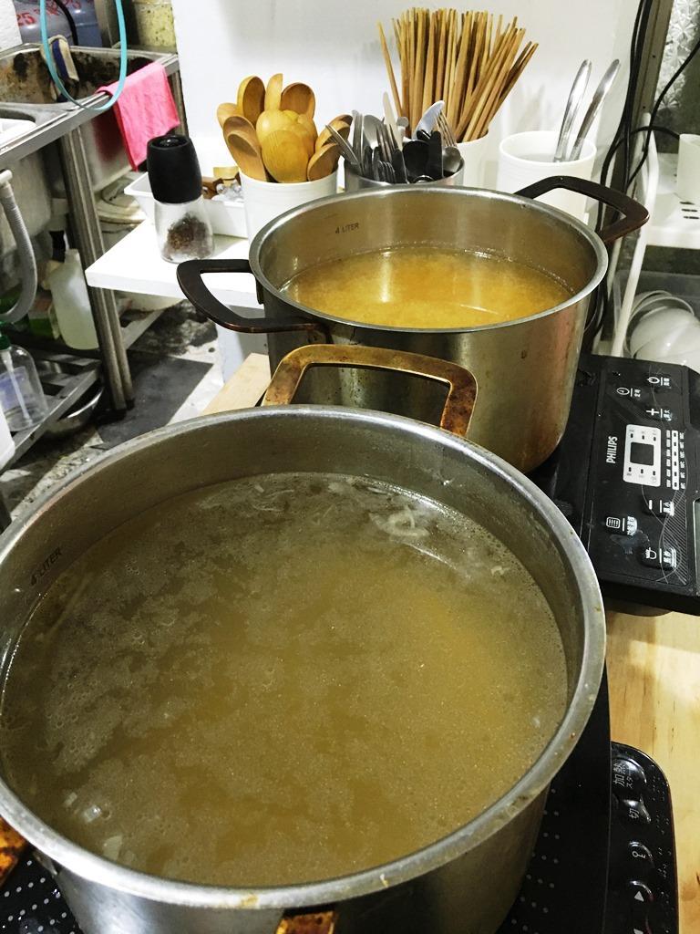 「洋蔥湯」和「味噌湯」可以無限取用。
