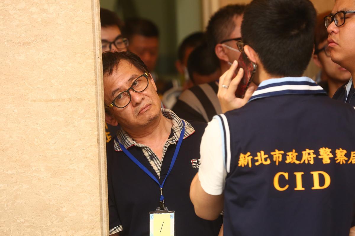 此次入監,劉邦誠恐將面對超過20年的徒刑,想再呼吸自由空氣將遙遙無期。