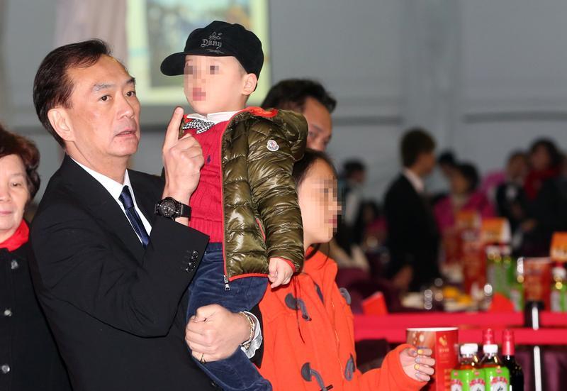裕隆董事長嚴凱泰辭世,其中讓他最掛念放不下的就是2個小孩。