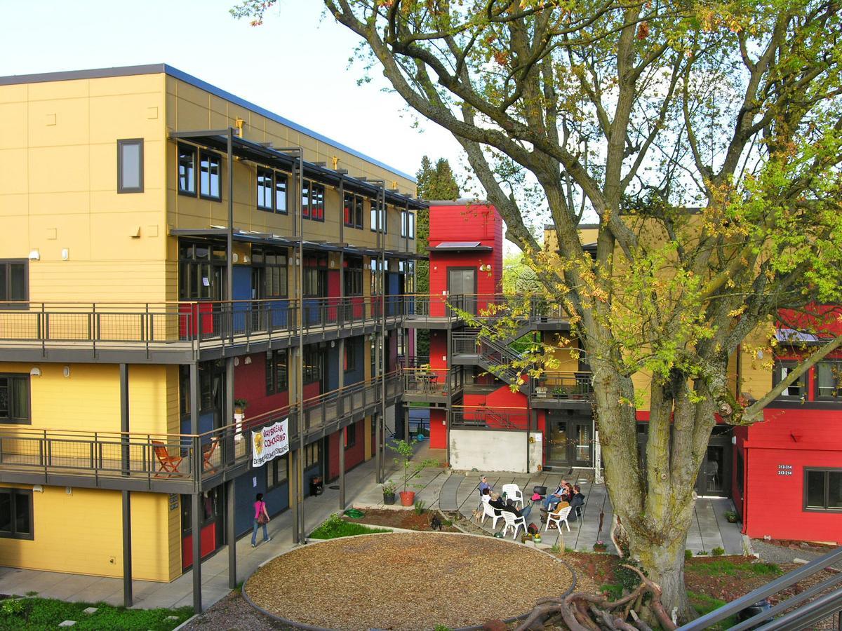 外觀上,Kim設計的共居公寓就和一般公育無異。(翻攝Citytank)