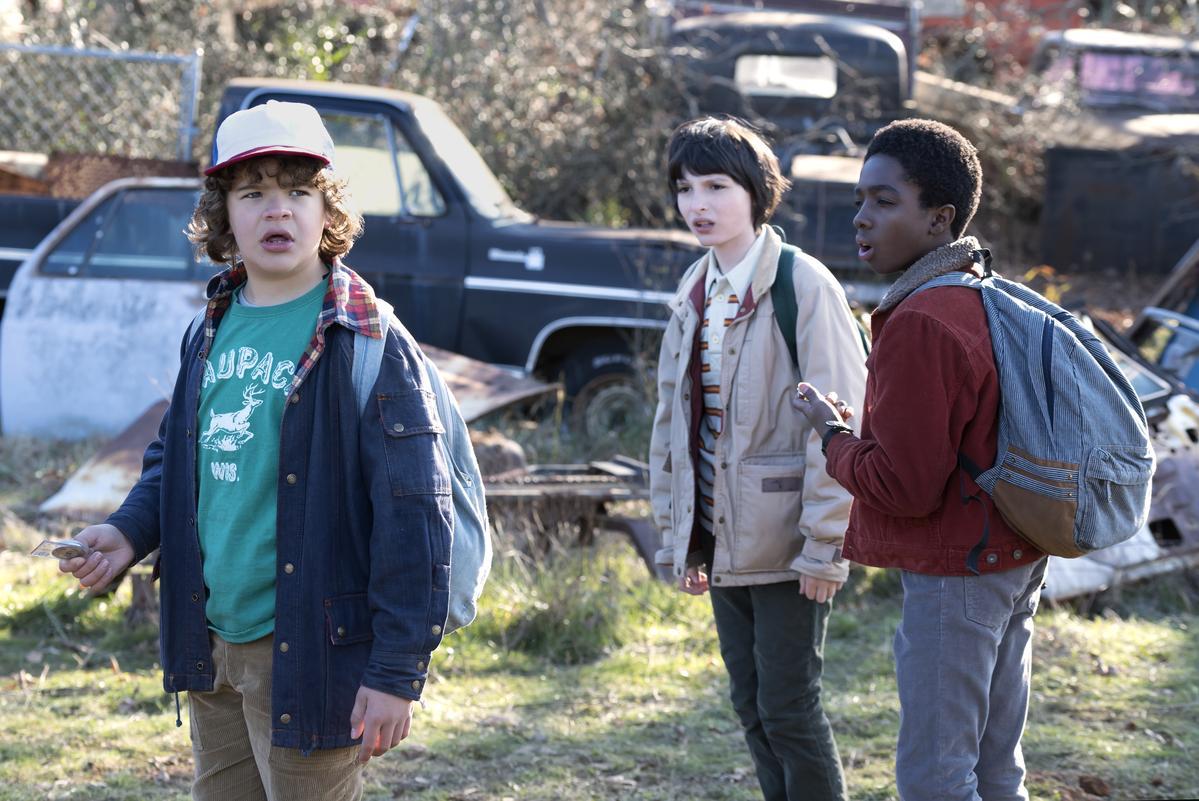 以80年代為故事背景,3個小鎮男孩為主角的《怪奇物語》獲得最佳電視劇。