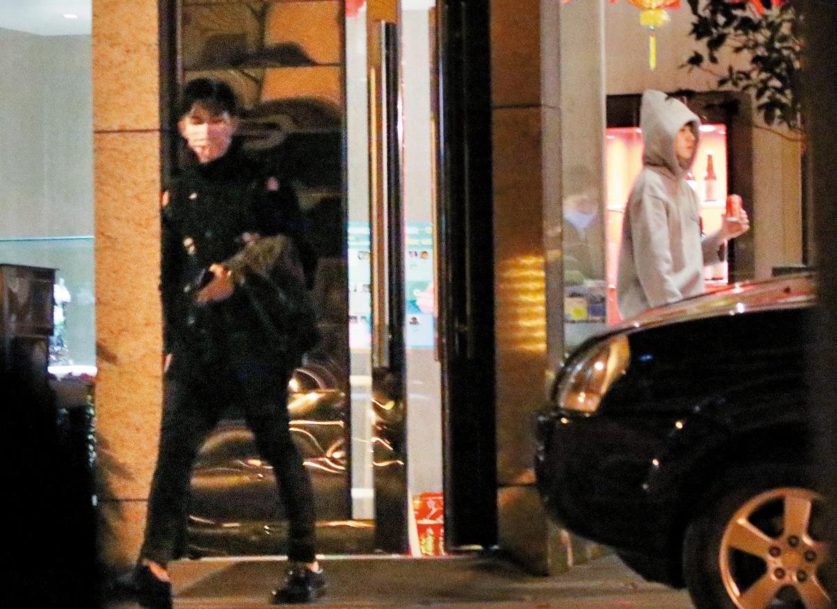 本刊1月底直擊炎亞綸(左)帶美型男(右)進旅館,男女都曾傳過緋聞。