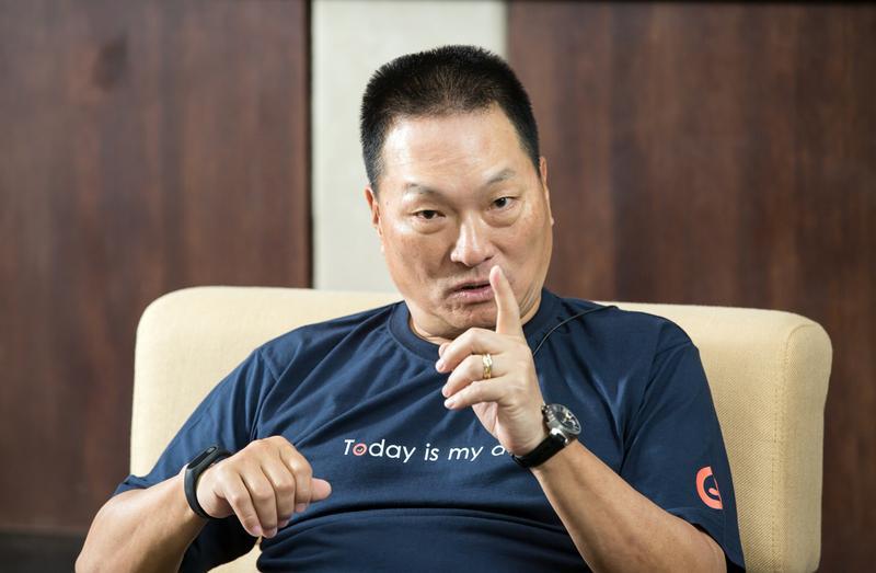 東森集團總裁王令麟出獄18個月,霸氣宣告再戰媒體及零售產業,東森新聞雲要打敗蘋果日報,東森購物要挑戰momo、打世界盃。