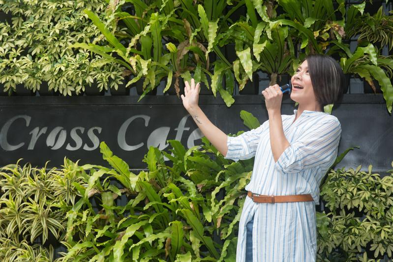 江美琪睽違一年多重返歌壇,以經是人妻人母。
