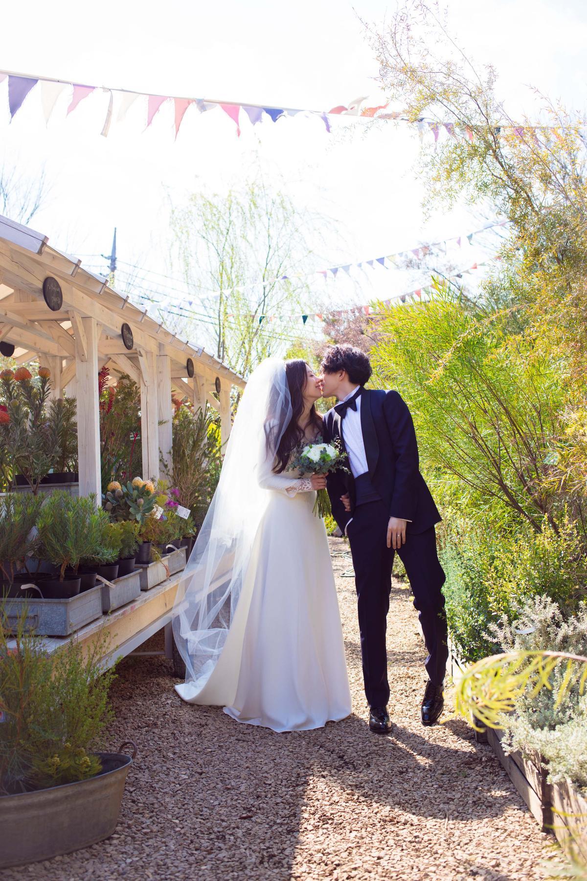 林宥嘉與丁文琪的婚紗照曝光,請到川島小鳥掌鏡。