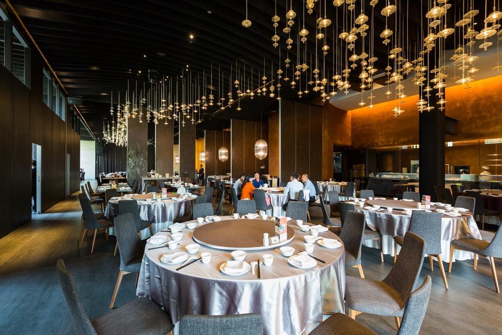 餐廳挑高設計,寬敞氣派。