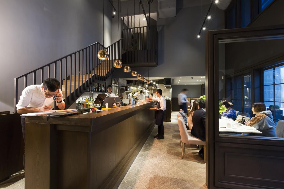 義大利餐廳「DOMANI」名字是義大利文「明日」之意,隸屬於忠泰生活開發餐飲事業。