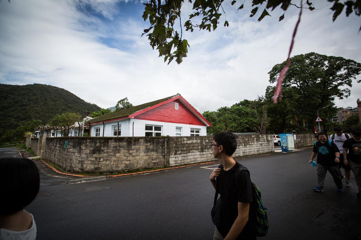 陽明山美軍宿舍吸引知名烘焙坊「亞尼克菓子工房」進駐賣蛋糕。