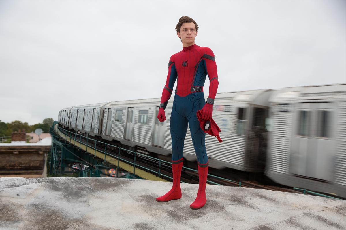 回歸漫威體系,並由索尼與漫威共同打造的《蜘蛛人:返校日》深受影迷期待,小鮮肉湯姆霍蘭德也非常討喜。(索尼提供)